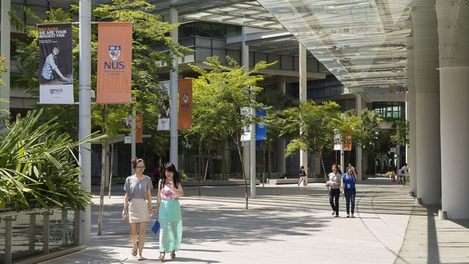 Bảng xếp hạng top 100 trường đại học danh tiếng nhất thế giới, Harvard giữ vững vị trí số 1, Đông Nam Á chỉ có Singapore lọt top - Ảnh 1.