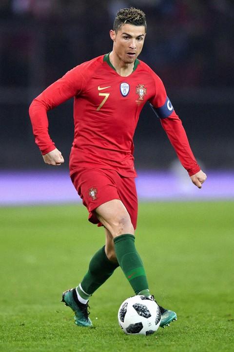 Xếp hạng đồng phục thi đấu của 32 tuyển World Cup 2018: Thụy Sĩ xấu nhất, Nigeria đẹp nhất - Ảnh 13.