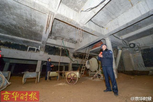 Trung Quốc: Xây hồ bơi trái phép trên nóc chung cư để tập luyện giữ dáng - Ảnh 7.