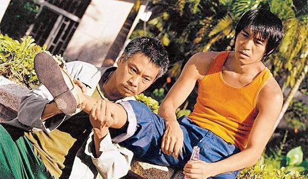 Châu Tinh Trì trong đội bóng thiếu lâm