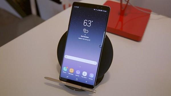 Galaxy Note 9 sẽ kế thừa thiết kế từ người tiền nhiệm Note 8, tiếp tục đẩy mạnh xu hướng smartphone màn hình lớn.