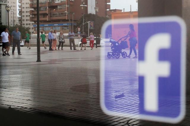 Một bang của Mỹ đâm đơn kiện Facebook và Google vì không tiết lộ danh tính người mua quảng cáo bầu cử - Ảnh 1.