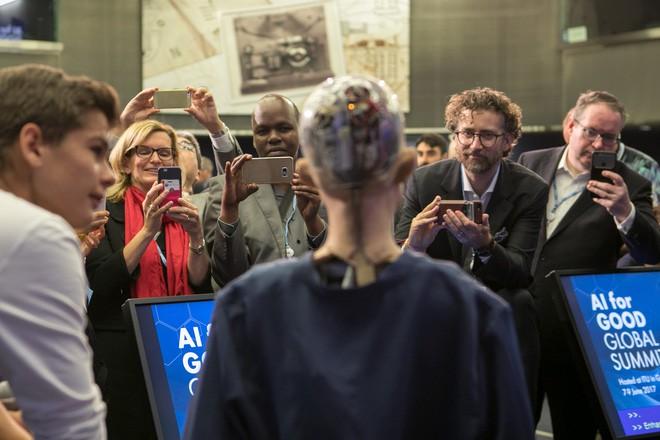 Hồ sơ khủng của robot Sophia từ khi được làm người cho đến khi sang Việt Nam - Ảnh 5.