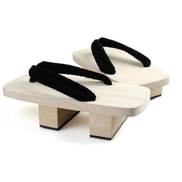 Khi bạn thích đi dép cho thoáng nhưng không thể rời xa sneakers, chắc chắn bạn phải mua mẫu giày này - Ảnh 2.