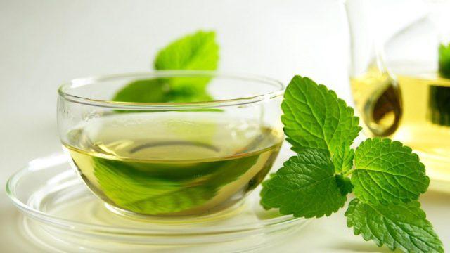 Bị xây xẩm mặt mày sau khi ăn mì chính? Hãy uống trà gừng hoặc bạc hà - Ảnh 1.