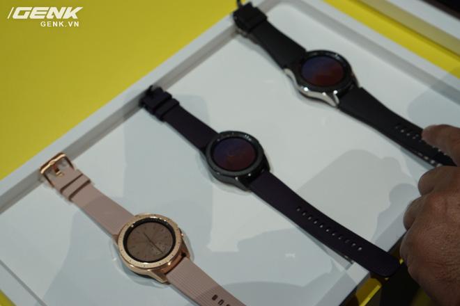Ảnh thực tế Samsung Galaxy Watch: rất thời trang và đầy mạnh mẽ - Ảnh 5.