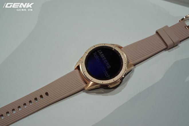Ảnh thực tế Samsung Galaxy Watch: rất thời trang và đầy mạnh mẽ - Ảnh 4.