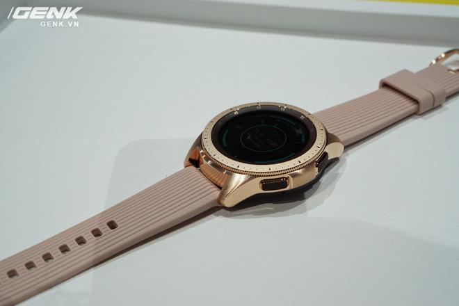 Ảnh thực tế Samsung Galaxy Watch: rất thời trang và đầy mạnh mẽ - Ảnh 3.
