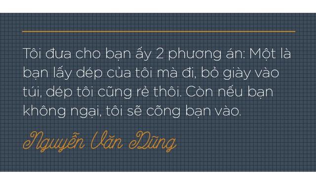 """Trò chuyện với tài xế Uber """"6 sao"""" đầu tiên ở Việt Nam: Cõng khách vượt qua quãng đường ngập, trong xe lúc nào cũng có sẵn khăn ướt, nước uống, dù phòng bị cho khách - Ảnh 4."""