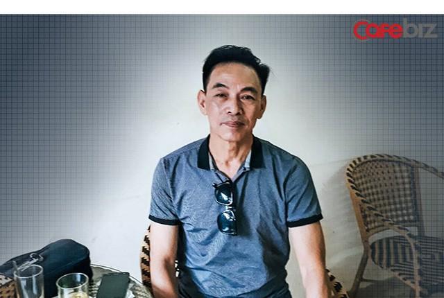 """Trò chuyện với tài xế Uber """"6 sao"""" đầu tiên ở Việt Nam: Cõng khách vượt qua quãng đường ngập, trong xe lúc nào cũng có sẵn khăn ướt, nước uống, dù phòng bị cho khách - Ảnh 6."""