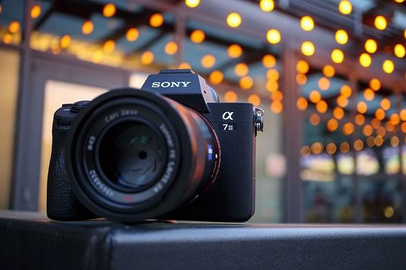 Sony đánh bại Canon, trở thành nhà sản xuất máy ảnh full-frame số 1 tại Mỹ - Ảnh 2.