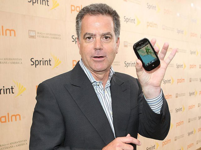 Nokia, BlackBerry, Palm, Microsoft: Đồng loạt chê bai thậm tệ khi iPhone ra mắt để rồi đều chỉ còn là chiếc bóng của chính mình khi Apple đạt giá trị 1.000 tỷ USD - Ảnh 7.