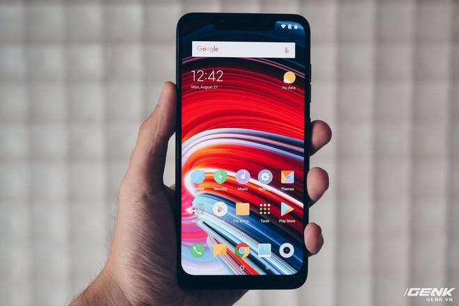 Xiaomi bán được gần 100.000 chiếc Pocophone F1 chỉ trong chưa đầy 5 phút mở bán tại Ấn Độ - Ảnh 1.