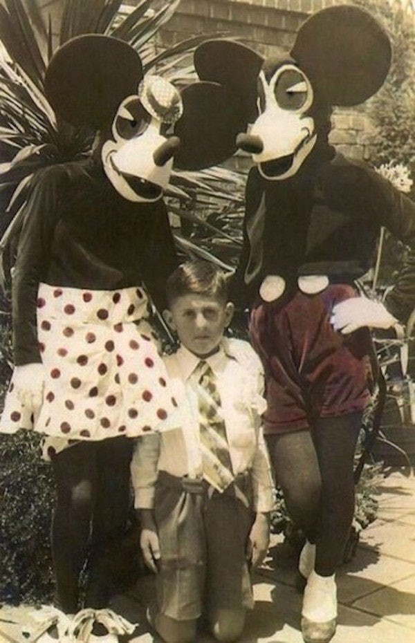 Những hình ảnh chứng minh ngày xưa Disneyland là chỗ để hù dọa trẻ con khóc thét chứ chẳng phải chốn thần tiên hạnh phúc gì - Ảnh 2.