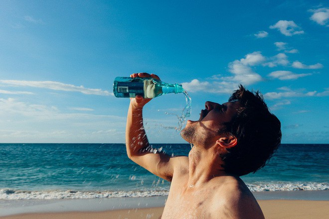 Nếu bị mất tập trung, có thể bạn cần uống nước trước khi thấy khát - Ảnh 2.