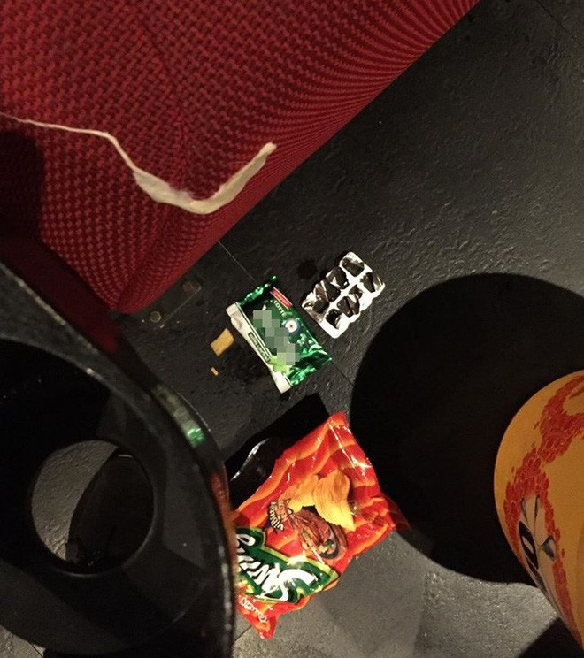 Khi ý thức trong rạp phim vẫn phải nói mãi: Xả rác, gác hẳn chân lên ghế trước và thân mật như ở nhà, bao giờ mới hết? - Ảnh 4.
