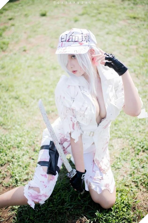 Nóng bỏng mắt với bộ ảnh cosplay cực sexy của nàng Bạch Cầu trong anime đình đám Cells at Work - Ảnh 4.