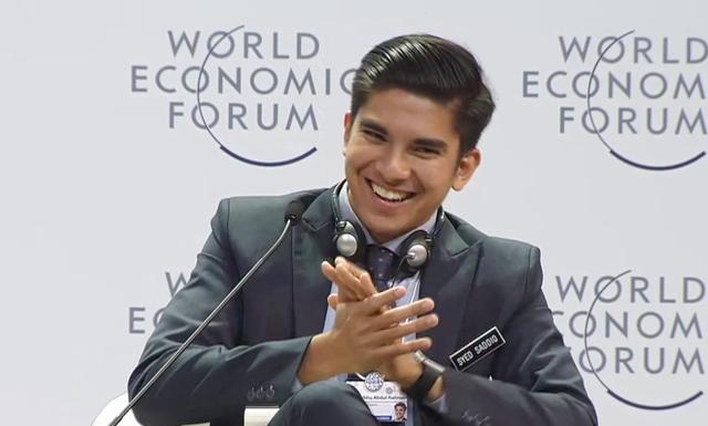 Câu hỏi của bạn trẻ Việt Nam cho Google khiến Bộ trưởng Malaysia bật cười tán thưởng - Ảnh 4.