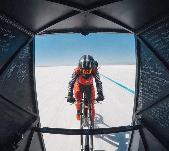 Xem kỷ lục chiếc xe đạp chạy nhanh nhất hành tinh với tốc độ lên tới 295km/h, ngang ngửa với xe hơi - Ảnh 4.