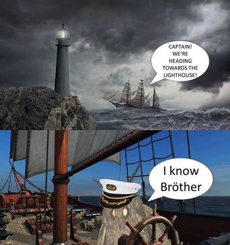 Nguồn gốc của loạt meme bướm đêm và chiếc đèn đang khuynh đảo Internet - Ảnh 11.