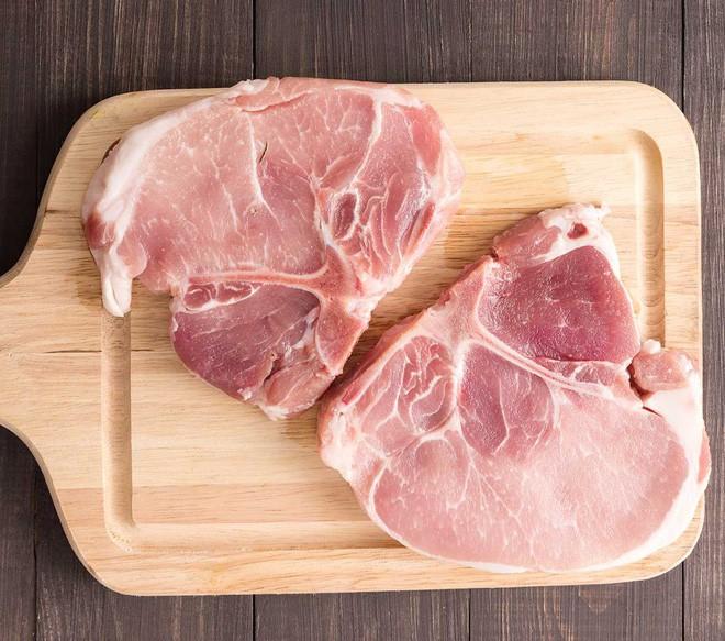 Thịt bò với thịt lợn khi nấu chín khác gì nhau? Đọc ngay để tự tin hơn khi ăn hàng quán - Ảnh 4.