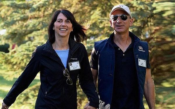 Giàu nhất thế giới, Jeff Bezos vẫn rửa bát sau mỗi bữa tối - Ảnh 1.