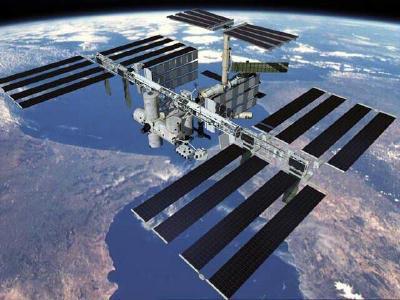 Bất ngờ xuất hiện lỗ hổng trên Trạm Vũ trụ Quốc tế, là lỗ khoan chứ không phải do thiên thạch gây ra - Ảnh 2.