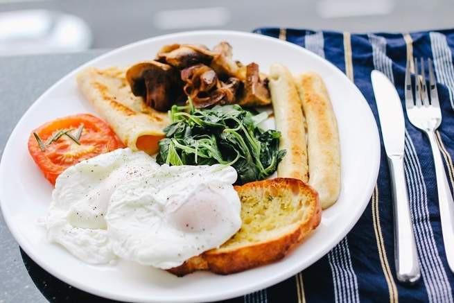 Khi nào bạn nên ăn sáng, và khi nào thì có thể nhịn? - Ảnh 1.