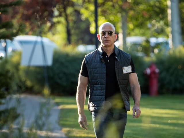 Giàu nhất thế giới, Jeff Bezos vẫn rửa bát sau mỗi bữa tối - Ảnh 12.