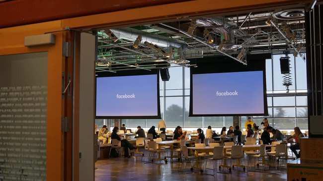 Ai còn có thể tin Facebook, khi tài liệu huấn luyện người kiểm duyệt nội dung cũng không phân biệt được tin giả mạo - Ảnh 1.