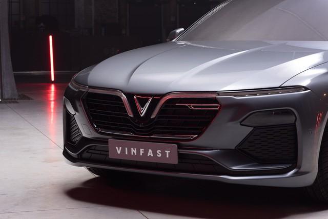 NÓNG: VinFast tung loạt ảnh và video chính thức của SUV và sedan sắp trình làng - Ảnh 7.