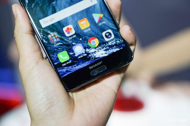 Sharp đưa điện thoại viền siêu mỏng AQUOS S2 vào Việt Nam, giá 6,99 triệu đồng, hấp dẫn hơn hẳn so với hàng xách tay - Ảnh 8.
