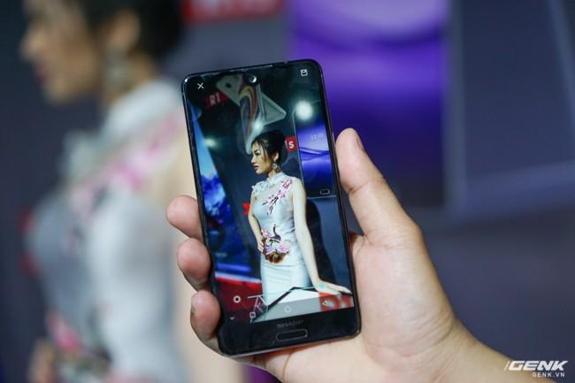 Sharp đưa điện thoại viền siêu mỏng AQUOS S2 vào Việt Nam, giá 6,99 triệu đồng, hấp dẫn hơn hẳn so với hàng xách tay - Ảnh 9.