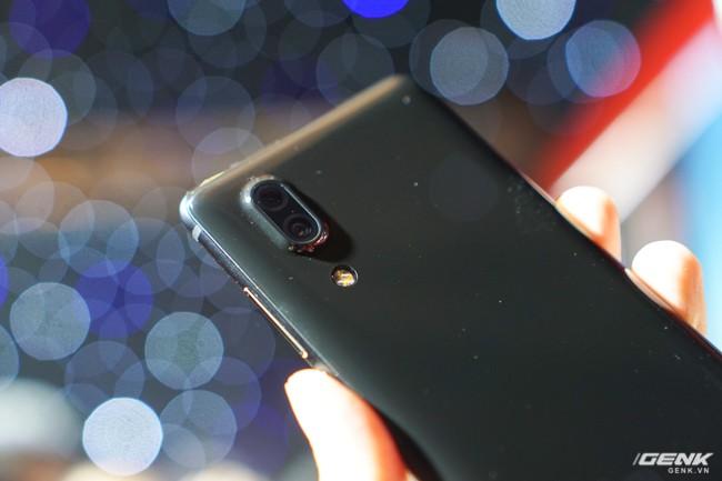 Sharp đưa điện thoại viền siêu mỏng AQUOS S2 vào Việt Nam, giá 6,99 triệu đồng, hấp dẫn hơn hẳn so với hàng xách tay - Ảnh 7.