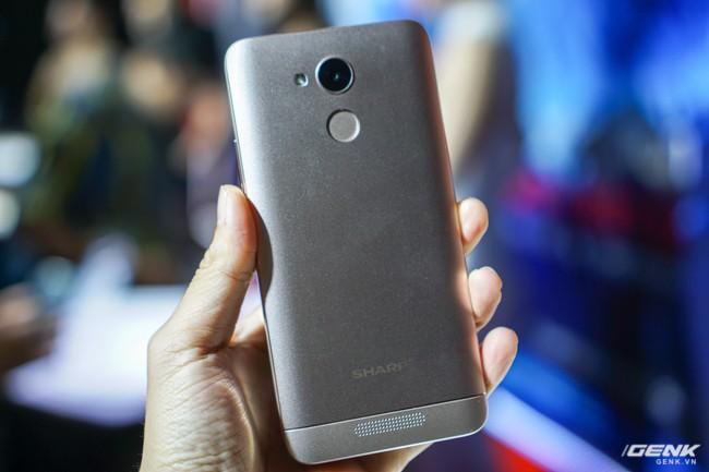 Sharp đưa điện thoại viền siêu mỏng AQUOS S2 vào Việt Nam, giá 6,99 triệu đồng, hấp dẫn hơn hẳn so với hàng xách tay - Ảnh 11.