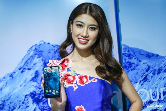 Sharp đưa điện thoại viền siêu mỏng AQUOS S2 vào Việt Nam, giá 6,99 triệu đồng, hấp dẫn hơn hẳn so với hàng xách tay - Ảnh 1.