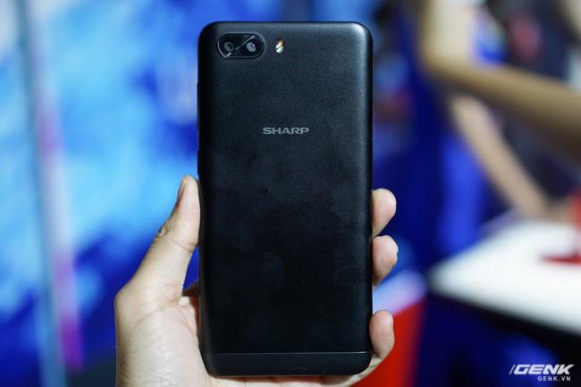 Sharp đưa điện thoại viền siêu mỏng AQUOS S2 vào Việt Nam, giá 6,99 triệu đồng, hấp dẫn hơn hẳn so với hàng xách tay - Ảnh 17.