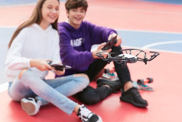 [CES 2018] Chiếc drone nhỏ xinh giá 100 USD này được trang bị những công nghệ tân tiến nhất của Intel và DJI - Ảnh 3.