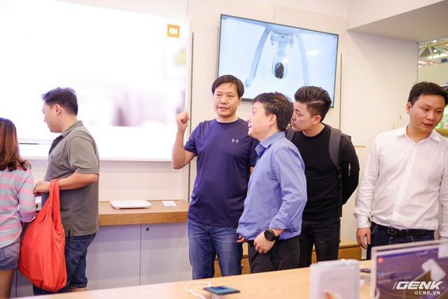 CEO Xiaomi Lei Jun: Chúng tôi bán sản phẩm cùng tính năng nhưng giá chỉ bằng một nửa đối thủ, kỳ vọng trở thành số 1 tại Việt Nam - Ảnh 2.