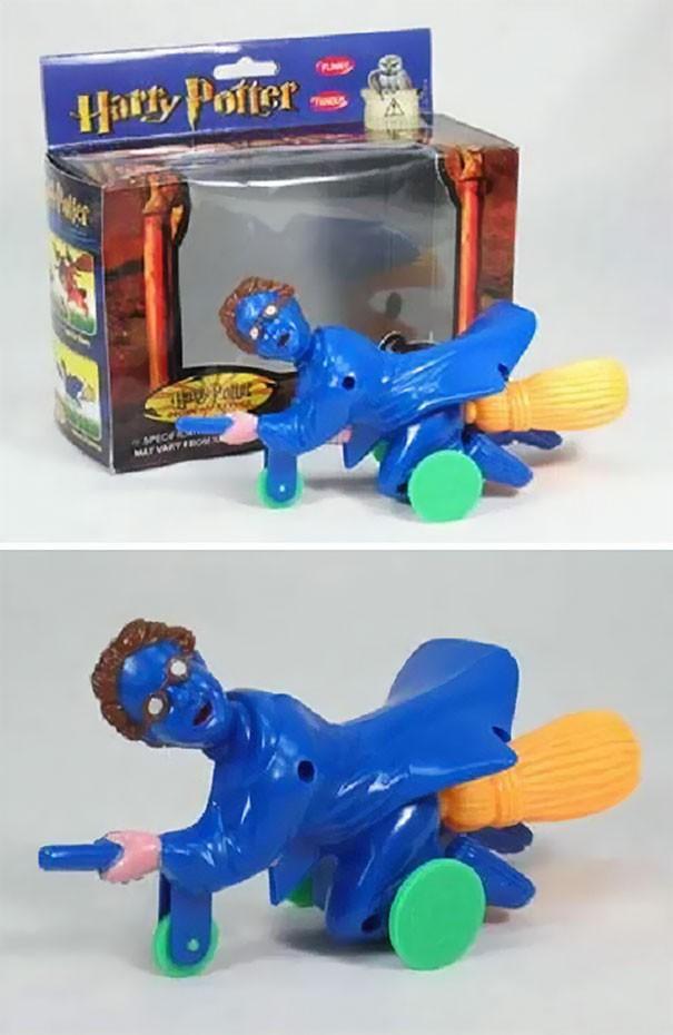 [Vui] Chết cười với những món đồ chơi đã thiết kế lỗi lại còn xấu xí như một cơn ác mộng - Ảnh 12.