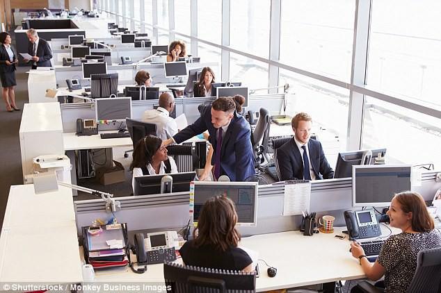 Cảm thấy khốn khổ vì công việc? Bạn có thể là nạn nhân của kiểu thiết kế văn phòng này - Ảnh 1.