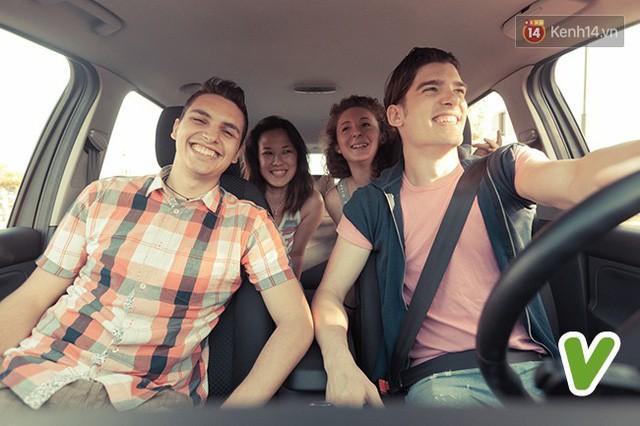 7 phép lịch sự khi ngồi trên ô tô mà bất kỳ ai cũng nên biết một chút - Ảnh 6.