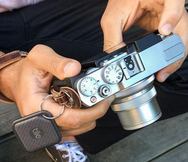 Người dùng có thể móc nó vào chùm chiếc khoá, balo, túi xách, vali, thậm chí cả máy ảnh, tai nghe...hay bất cứ thứ gì họ muốn.