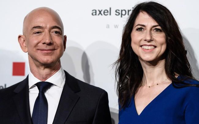 Jeff Bezos có thể mất tới hơn 60 tỷ USD sau khi ly hôn, Bill Gates lại trở thành người giàu nhất thế giới? - Ảnh 1.