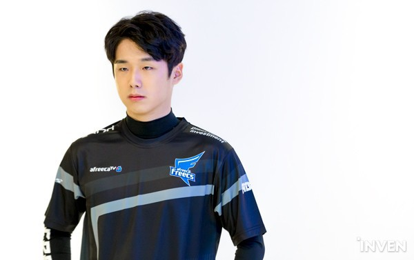 LMHT: Các tuyển thủ LCK đẹp trai đến mức nào khi bước vào LCK Mùa Xuân 2019 (Phần 2) - Ảnh 57.