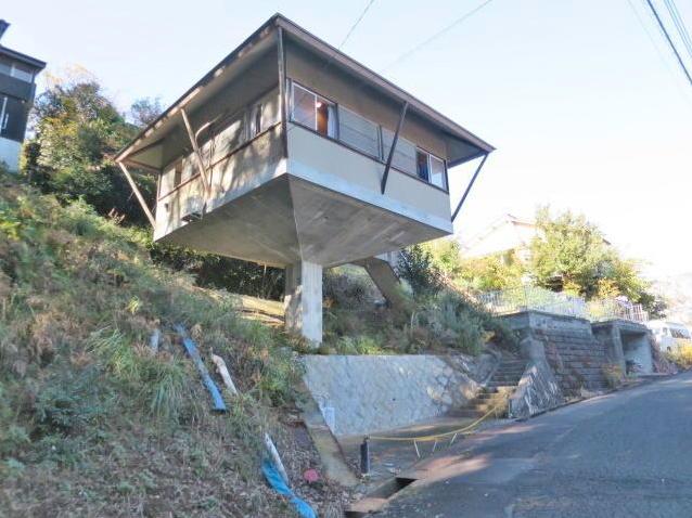 Người Nhật đang phát sốt vì căn nhà 1 cột giá rẻ, chỉ 56m2 nhưng đầy đủ tiện nghi để vui sống - Ảnh 2.