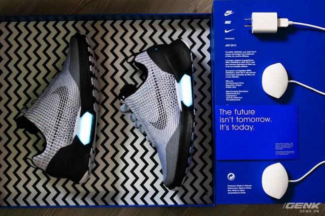 Nike ra mắt mẫu giày tự thắt dây mới, sạc không dây, điều khiển bằng ứng dụng smartphone và rẻ bằng 1/2 HyperAdapt 1.0 - Ảnh 3.