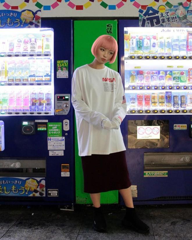 Xinh đẹp và quyến rũ, cô gái tóc hồng mới nổi trên Instagram Nhật hóa ra là người mẫu ảo! - Ảnh 7.
