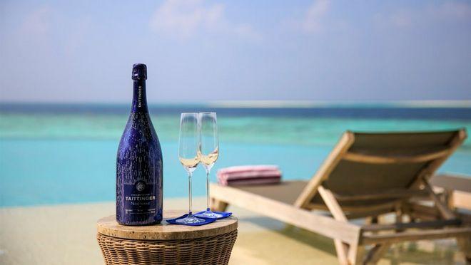 Tham quan khu nghỉ dưỡng xa hoa trên đảo nhân tạo với hệ thống pin Mặt Trời ngay trên mái nhà tại Maldives - Ảnh 12.