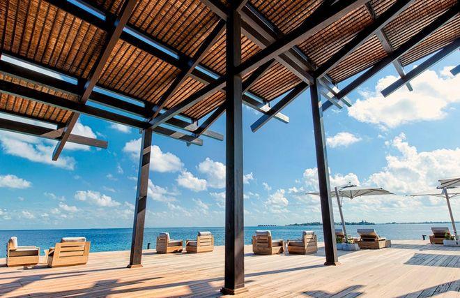 Tham quan khu nghỉ dưỡng xa hoa trên đảo nhân tạo với hệ thống pin Mặt Trời ngay trên mái nhà tại Maldives - Ảnh 10.